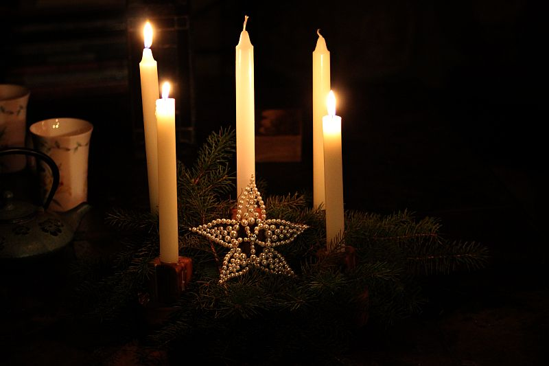 Candles and Advent wreath